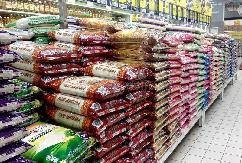 Goiás reduz ICMS do arroz e do feijão para 12%
