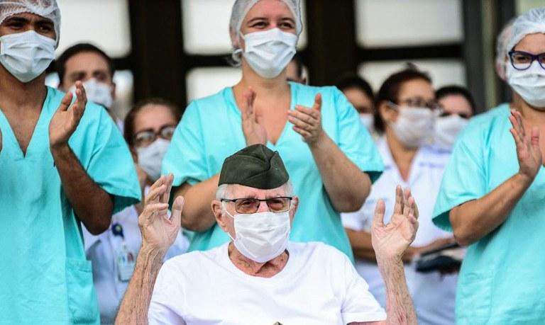 Brasil ultrapassa 11 milhões de pessoas recuperadas da covid-19
